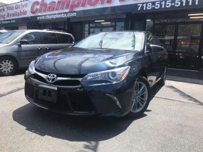 2017 Toyota Camry SE Automatic (Natl) (Gray)