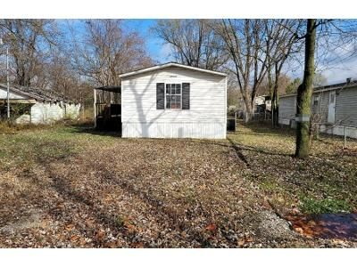 3 Bed 1 Bath Foreclosure Property in East Carondelet, IL 62240 - Mousette Ave