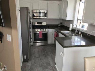 $2600 2 townhouse in Santa Clarita Valley