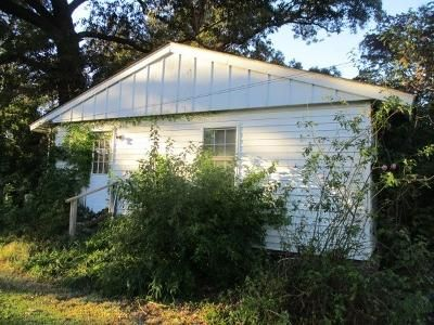 2 Bed 1 Bath Foreclosure Property in Pikeville, NC null - N Goldsboro St