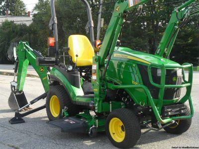 Good condition 2014 1025R John Deere Compact Tractor