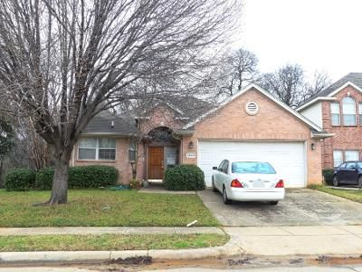 3 Bed 2.0 Bath Preforeclosure Property in Euless, TX 76040 - Sweet Bay Dr