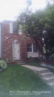 Lovely end of group town home in quiet neighborhood!