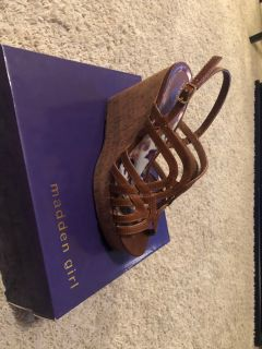 Madden Girl wedges size 10