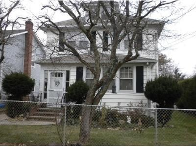 3 Bed 1 Bath Foreclosure Property in Glen Cove, NY 11542 - Nassau Ave