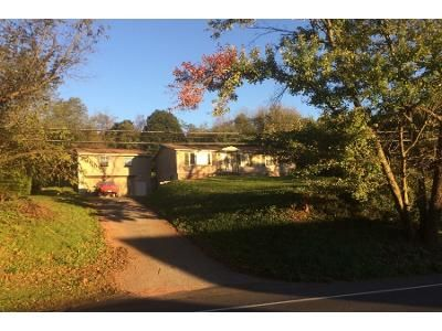 3 Bed 1 Bath Preforeclosure Property in Mohnton, PA 19540 - Reading Rd