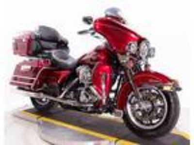 2005 Harley Davidson Red Electra Glide Ultra Classic FLHTCUI Lots of Extras!
