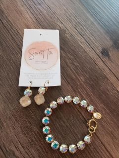 New Victoria Lynn bracelet and necklace set from Sweet Tea boutique