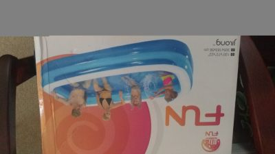 Lg Inflatable pool New!