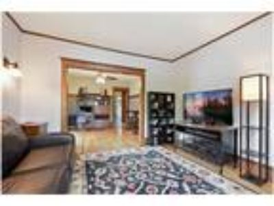Classic, Updated Condo Just Steps from Lyndale & Lake