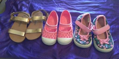 3 pairs of toddlers shoes sz,6
