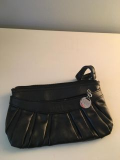 Elle clutch with strap