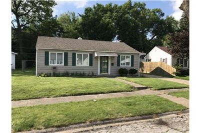 Very, very nice 3 beds 1 bath ranch style home.