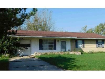 3 Bed 1 Bath Preforeclosure Property in Sidney, OH 45365 - Red Feather Dr