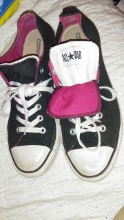 Women's 10 or mens 8 converse shoes