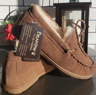 NWT Bearpaw Moccasin Style Slippers