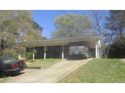 3 Bed 2 Bath Foreclosure Property in New Albany, MS 38652 - North St
