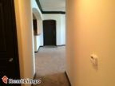 One BR 806, 904-910 Hartwell Drive