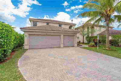 4800 NW 116th Ter Tamarac Four BR, Large corner home located in