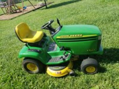 john deere lx255 riding lawn mower