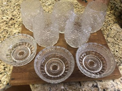 Crystal glasses and bowls
