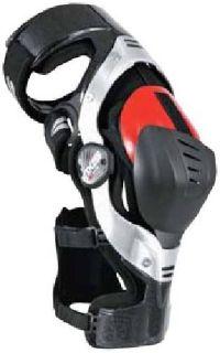 M Left EVS Sports Axis Pro Knee Brace 724045