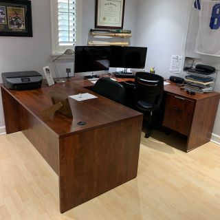 Immaculate Desk /Workstation