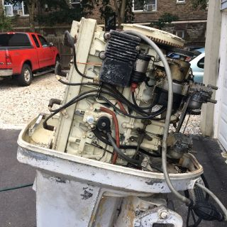 1973 Chrysler boat motor 130 HP runs great