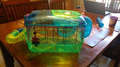 Critter Trail Hamster cage and wheel and foid bowl