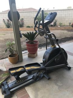 LIVE-STRONG LS10.0E ELLIPTICAL FITNESS TRAINER