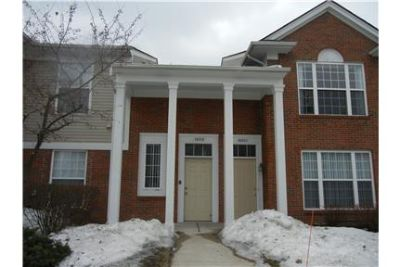 Beautiful 2 Bedroom Condo In Northville