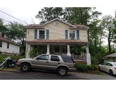 3 Bed 1 Bath Preforeclosure Property in Staunton, VA 24401 - Forest St