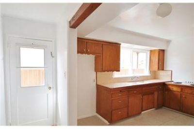 Classic California Ranch/Cottage Lush yard, wood floors, attached garage Pets considered