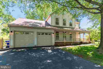 18433 Cape Jasmine Way GAITHERSBURG Three BR, Say YES to the