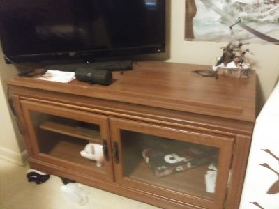 TV stand ( you must pick up)