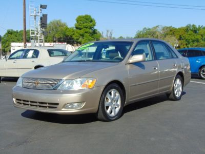 2000 Toyota Avalon XL (TAN)