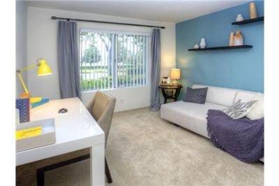 1 bedroom Apartment - Welcome to eaves Santa Margarita. Parking Available!