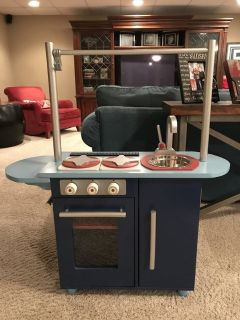 Little Kids Kitchen w microwave and toaster