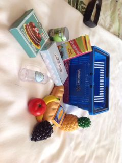 NWOT Basket and food for 18 inch Dolls