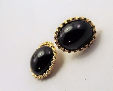 "Collectible Retro Black Oval Circle Cushion 1"" Clip On Earrings Gold Tone"
