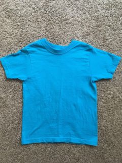 Size 4/5 girls Fruit of the Loom turquoise shirt