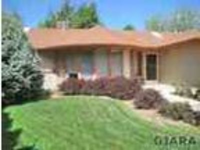 Immaculate Split Bedroom Rancher In North Area That s Close To