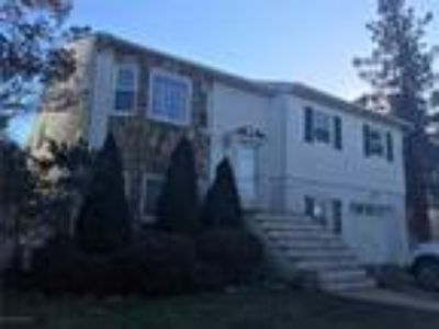 Lower Todt Hill Real Estate For Sale - Five BR, Three BA Single family