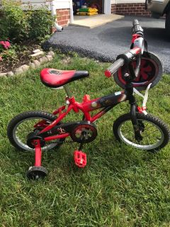 Toddler/ young Boy s 12 Bike and Helmet
