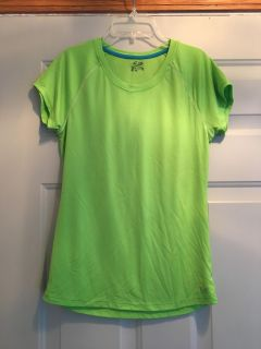 Champion semi fitted athletic top size medium