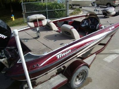 ''2006 Triton Tr 196 Bass Fishing Boat 69 Hours