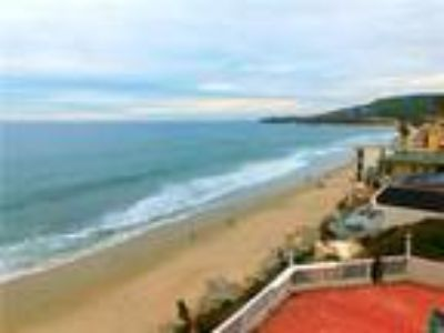 Luxury Oceanfront Laguna Beach Vacation Rental.