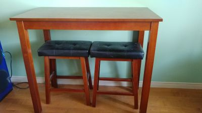 High table with 2 bench seats