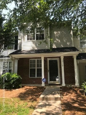 Nice Townhome in Chelsea Commons!