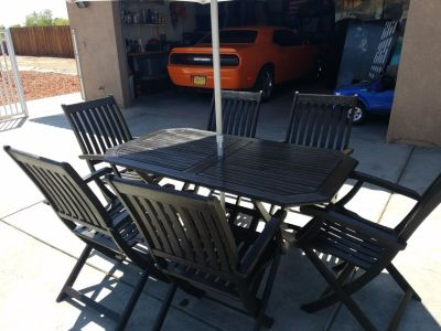 TEAK outdoor dining table and chairs (6)